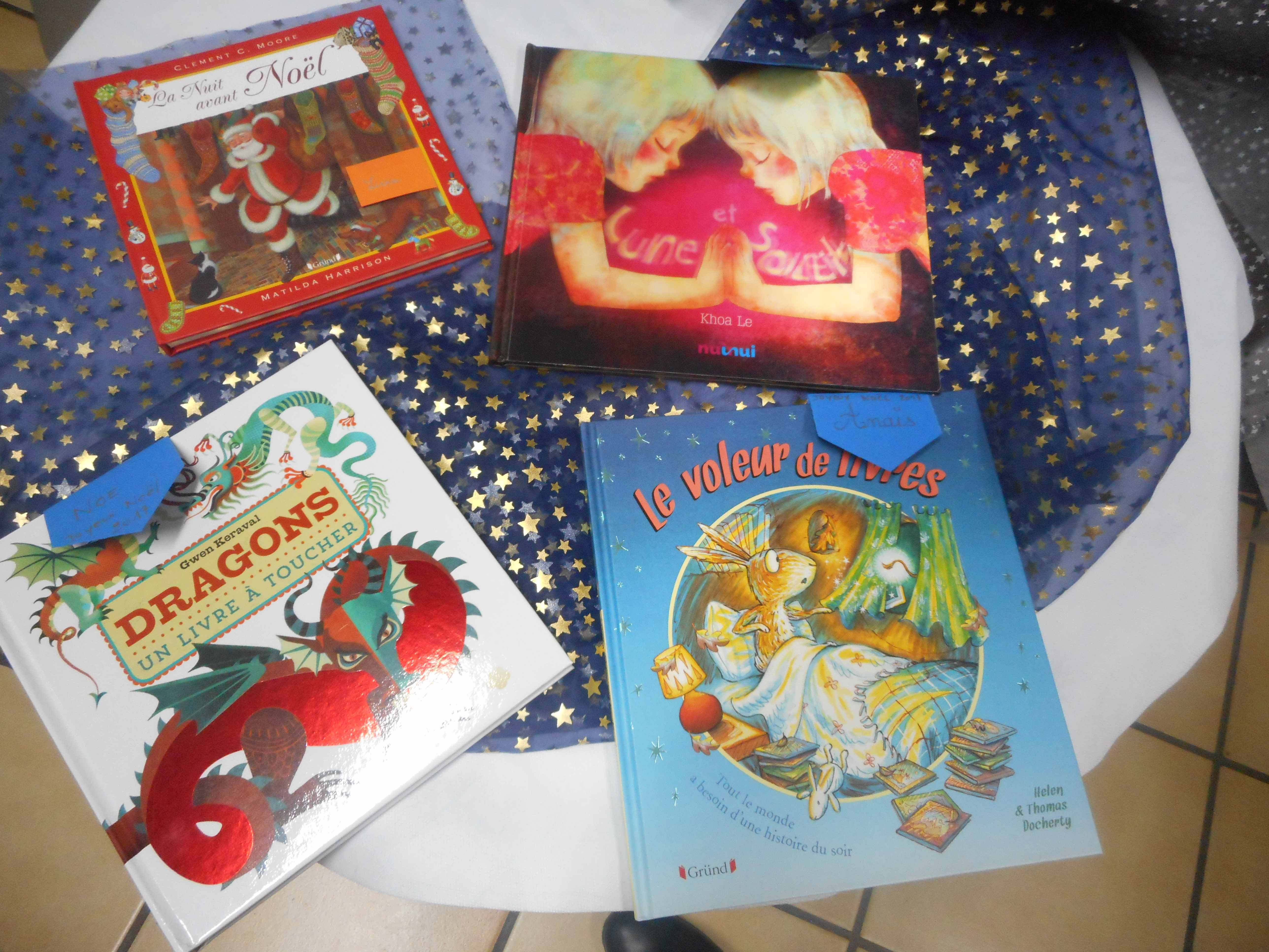 Remise Des Livres De Noel Ecole Saint Christophe